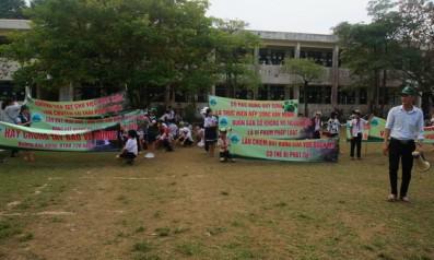 Vườn quốc gia Bạch Mã phối hợp với trường tiểu học số 1 Lộc Trì tổ chức buổi diễu hành, cổ động bảo vệ rừng
